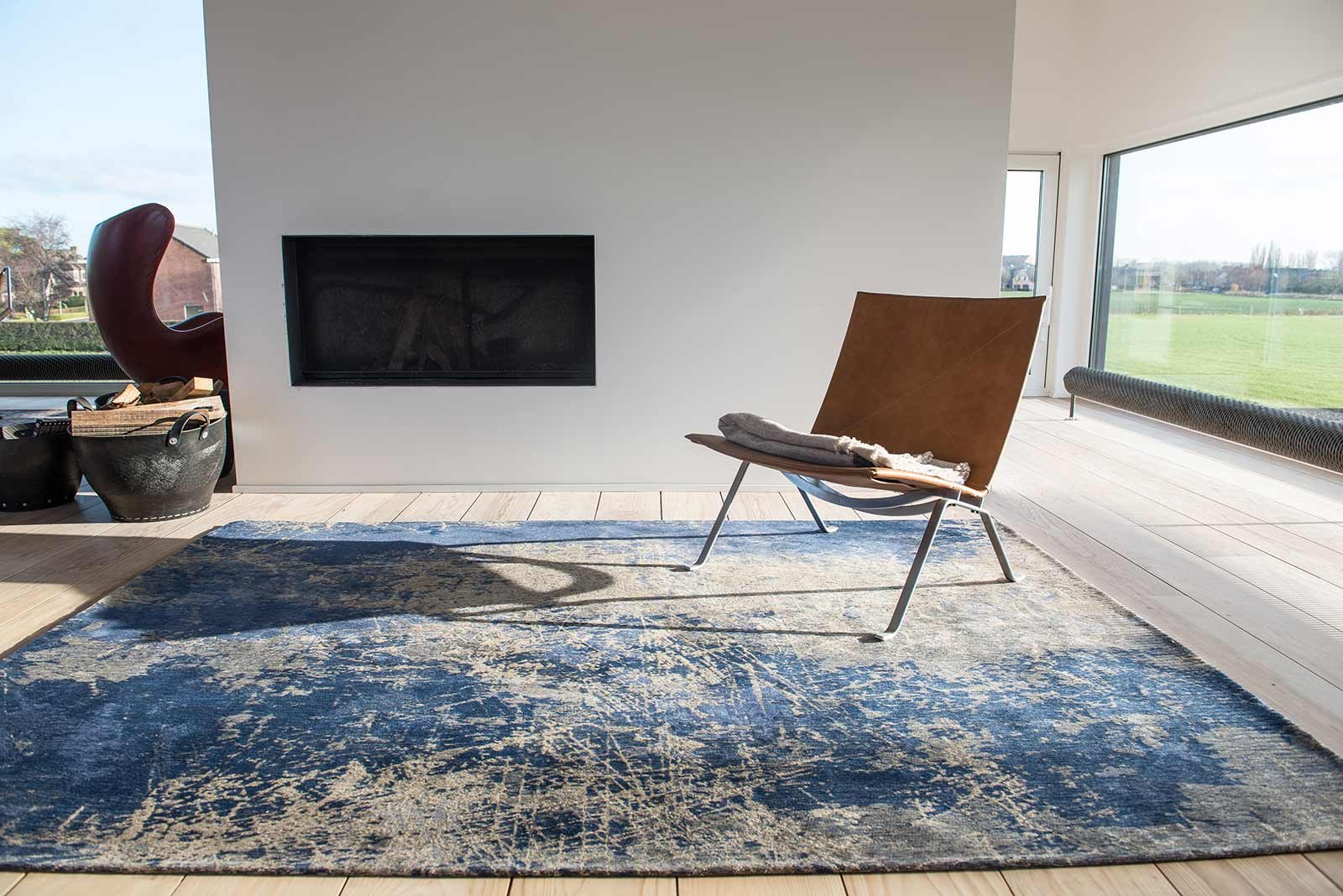 alfombras Louis De Poortere LX8629 Mad Men Cracks Abyss Blue interior