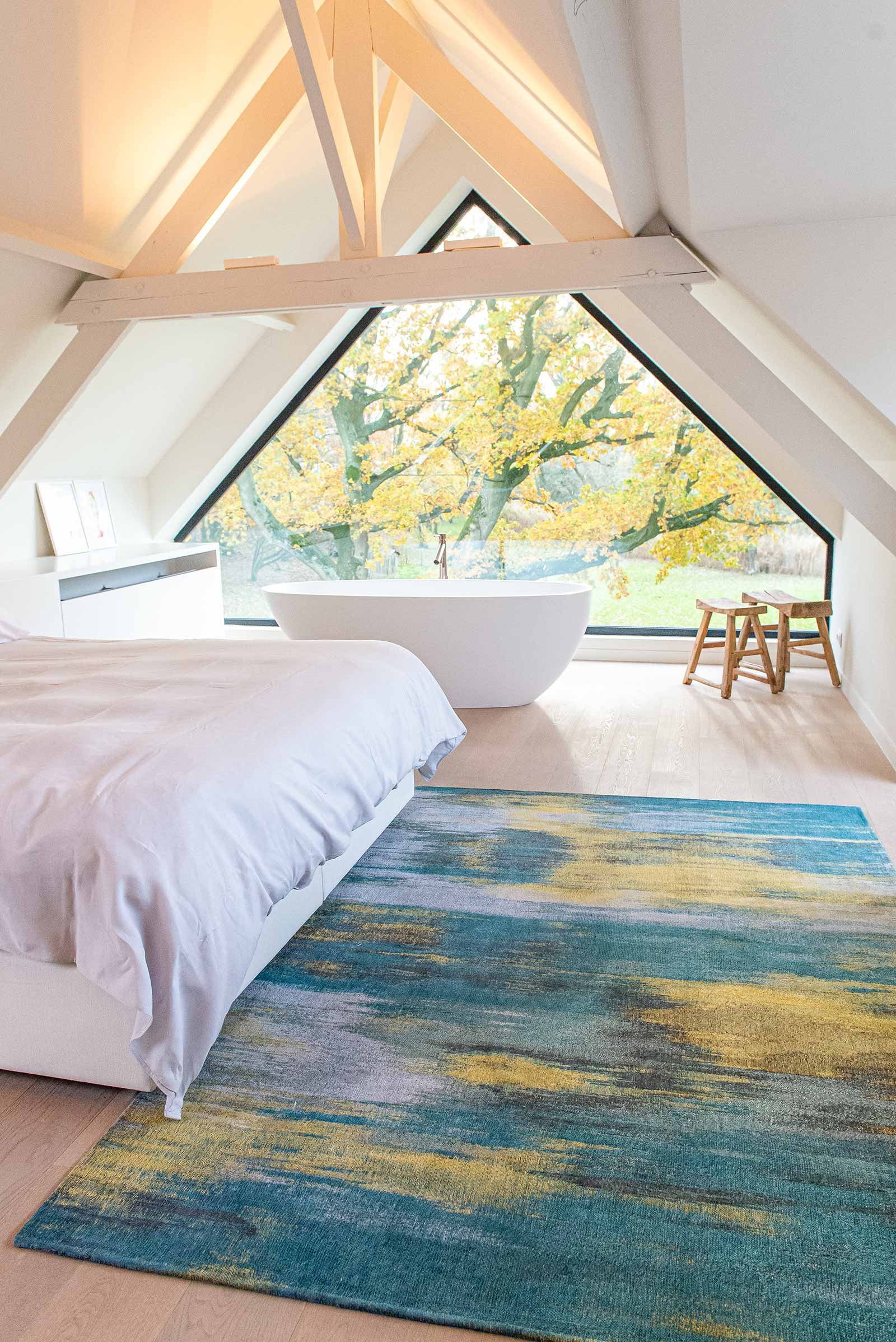 Louis De Poortere alfombra LX 9119 Atlantic Monetti Nymphea Blue interior 2